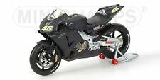 Honda RC211V PreSeason Test Bike Valentino Rossi 2002 1:12 Model MINICHAMPS