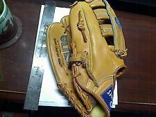 Spalding Performance Series Glove Left Handed Glove #42959 Deep Formed PocketNEW