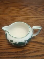 1 Wedgwood Napoleon Ivy Queen's Ware Round Creamer Excellent Condition