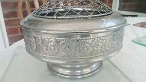 Vintage Rose Bowl metal pretty larger size with frog