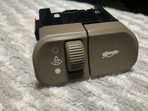 Saturn OEM L200 L300 trunk release dimmer switch light grey