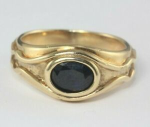 9ct 10ct gold and sapphire ring 1.00ct 7.1g Size T