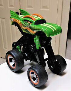 Hot Wheels Mega Air Jumper Dragon Monster Jam Toy Truck Mattel (2004)