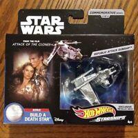 Republic Attack Gunship - Star Wars Commemorative Starships - Hot Wheels (2019)