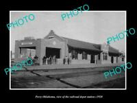 OLD LARGE HISTORIC PHOTO OF PERRY OKLAHOMA, VIEW OF THE RAILROAD DEPOT c1920