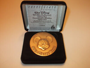 Disney World Opening Day 1971 Commemorative Medallion LE 1971 in case