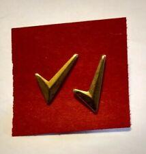 Niki Swoosh - Check Mark - Lapel Pin -1 Pair - 2 Pcs - Sneaker Metallic Logo