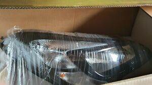 Vauxhall Corsa E Headlight with DRL OEM from 2013 to 17 R/H(slight damage)