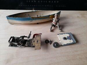 Arnold clockwork rowing boat in need of repair. Made in Germany.