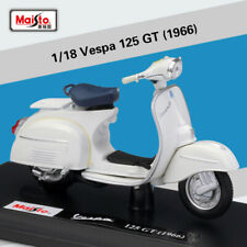 New Maisto Die-cast Model 1:18 Scale Vespa 125GT 1966 White Scooter Motorcycle