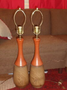 VTG Mid Century Modern Table Lamps Faux Wood & Rusty Orange Ceramic
