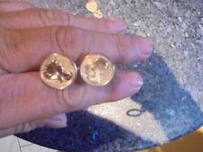 belle  paire de boutons de manchettes  amoureux de peynet en plaqué or..