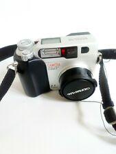 Olympus CAMEDIA 2000ZOOM 2.1MP Digital Camera - Black & Metallic silver