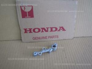 HONDA CB1300 SUPER FOUR SC54 BRACKET SPEED SENSOR 45150-MEJ-D01 abs parts direct