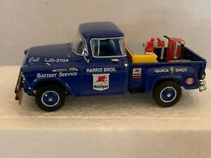 Matchbox 1956 Chevy 3100 MOBIL BATTERY & QUICK START SERVICE Scale 1:43