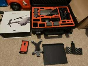 DJI Mavic 2 Zoom Drone,, little use, with 3 batteries. hard case plus more
