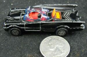 BATMOBILE CORGI JUNIOR MADE IN GT BRITIAN   NATIONAL PERIODICALS