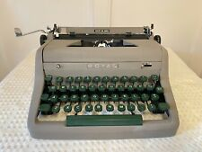 Vintage 1950's Working ROYAL Quiet De Luxe Gray Green Portable Typewriter & Case