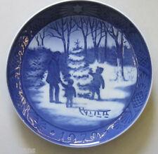 "Royal Copenhagen Christmas Plate 1979 ""Choosing The Christmas Tree"" 1st Quality"