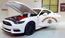 LGB G 1 24 Scale 2015 Ford Mustang GT Highway Patrol Police Diecast Model Car White