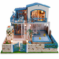 Unbranded Dolls' House