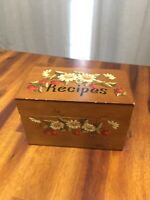 Vintage Hand Painted Wood Cooking Recipe Card Box Daises and Strawberries
