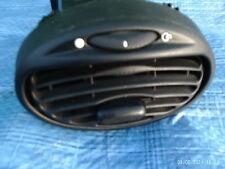 Armaturenbrett Lüftungsgitter Mittel von Ford Focus Mk1 1.4 5 Türen