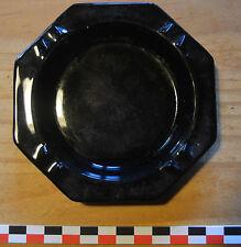 Joli cendrier noir uni en céramique des années 1970, jamais utilisé.