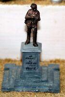 War Memorial (OO Scale) - Unpainted - Langley F42
