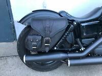 Satteltaschen HD Motorrad Dynamite Black rechte Seite Harley  Dyna Streetbob 17