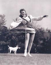 ACTRESS ANN SOTHERN LIFTING HER SKIRT NICE LEGS UPSKIRT LEGGY 8x10 PHOTO A-ASOU2