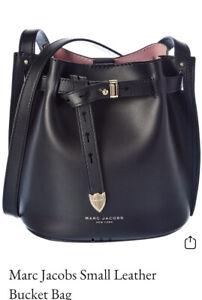 $350 NWT Marc Jacobs Logo  Bucket Bag ~ Black ~ H601L01PF21-001