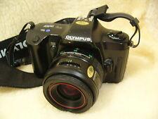 Cámara SLR Olympus OM101 Clásico Vintage 1980s de película de 35mm Con Lente Zoom 35-70mm