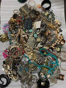 9LB Bulk Whole Lot Estate Costume Loose Scrap Junk Jewelry Necklaces Bracelet e