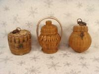 """LOT 3 SMALL MINIATURE VINTAGE WOVEN BASKETS WITH LIDS 2 1/2"""" TO 4"""" WICKER"""