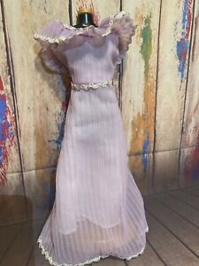 Vintage Barbie Lavender Gown. Mattel. 1970s. Pre-Owned. Excellent! 🌹