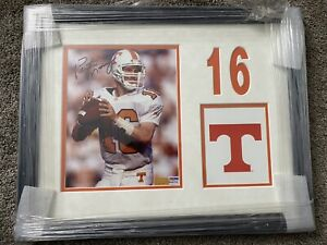 PEYTON MANNING SIGNED FRAMED 8x10 AUTO AUTOGRAPH TENNESSEE PSA DNA COA HOF