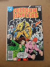 Freedom Fighters 13 . Origin Black Condor . DC 1978 . FN - minus