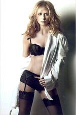 Sarah Michelle Gellar - In Her Under Garments ! Very Sexy Pic !