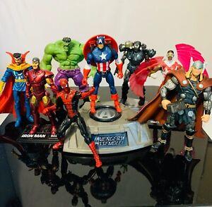 Marvel Universe  3.75 Lot of Avengers: Captain America, Ironman, Spiderman, Hulk