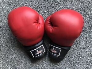 Century Boxing Gloves 14oz Red&Black VG Condition. See Description & Pictures!