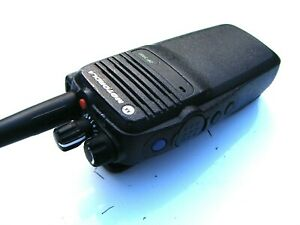 1 X MOTOROLA DP3400 DIGITAL/ANALOGUE UHF PROFESSIONAL MOTOTRBO TWO WAY RADIO