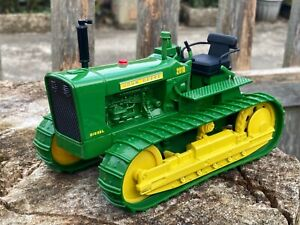 1/16 scale ERTL 15482 1960 John Deere 2010 crawler Raupe tractor tracteur