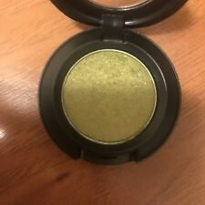 "BNIB, MAC Veluxe pearl Eyeshadow ""LUCKY GREEN"", Discontinued, Rare, HTF"