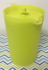 Tupperware One Gallon Classic Pitcher w/ Matching Seal Green / Yellow New