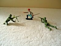 """Vintage Lot Of 3 Plastic Toy Soldiers,1,Britains Ltd.,2,Army Men """" GREAT LOT """""""