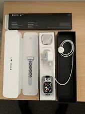 Apple iwatch series 4 44mm Nike SportsBand GPS + cellular