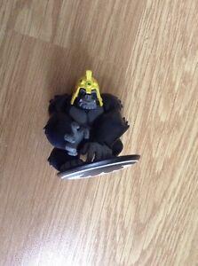grudd dc comics figure on batman base