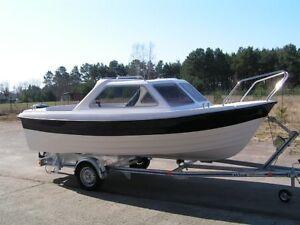 NEU --> Halbkajütboot --> Cabrio --> Trailer --> Motor