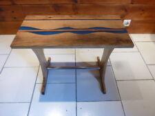 Table appoint Chêne et résine époxy river table art deco
